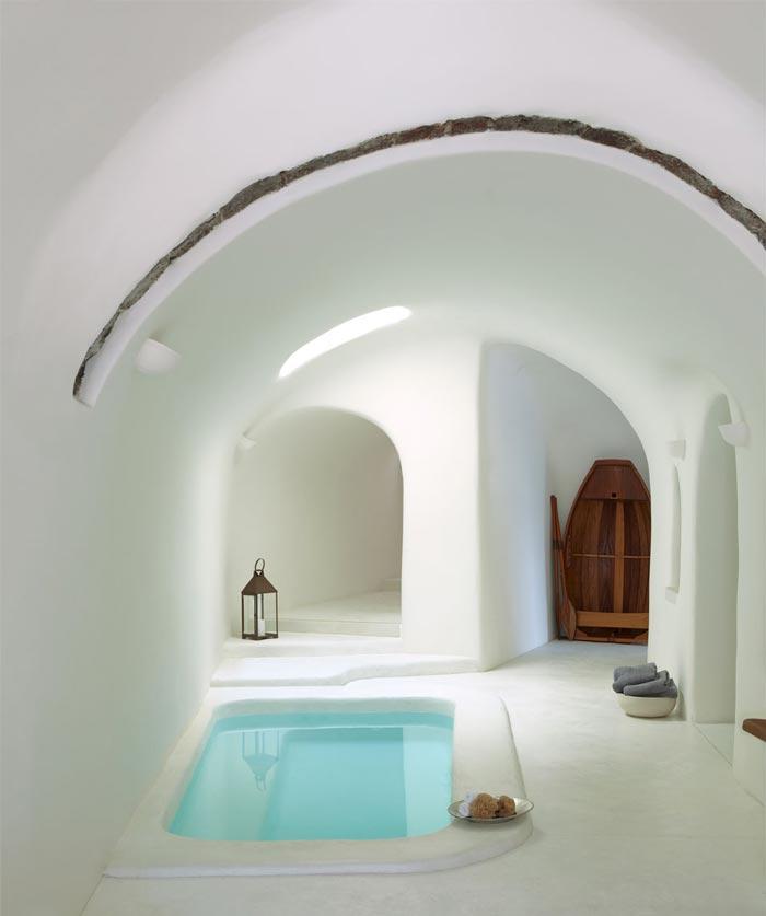 Pool of hot water at Perivolas Hideaway in Thirassia, Santorini