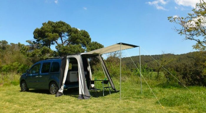 Camp set up with the Renault Kangoo Camper TravelPack by Design Studio Ovicuo