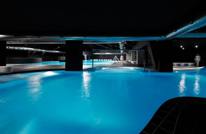 Large swimming pool at Aquagranda Livigno Aqua Experience