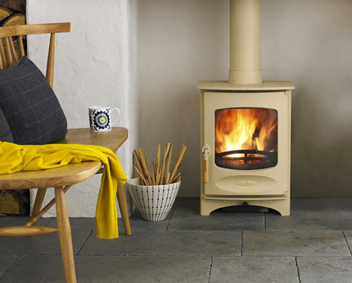 C four wood stove by charnwood jebiga design lifestyle for Most efficient small wood burning stove