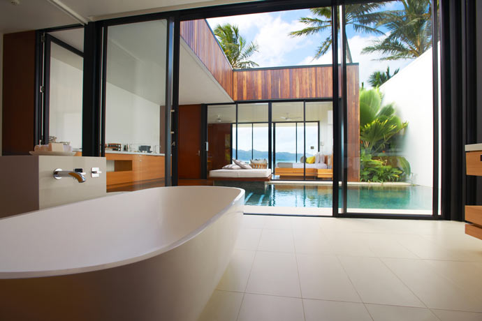 Bathroom design in a room at HAYMAN ISLAND RESORT in AUSTRALIA