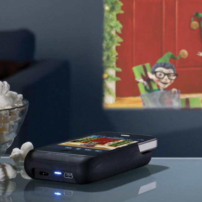 iPhone Pocket Projector 1