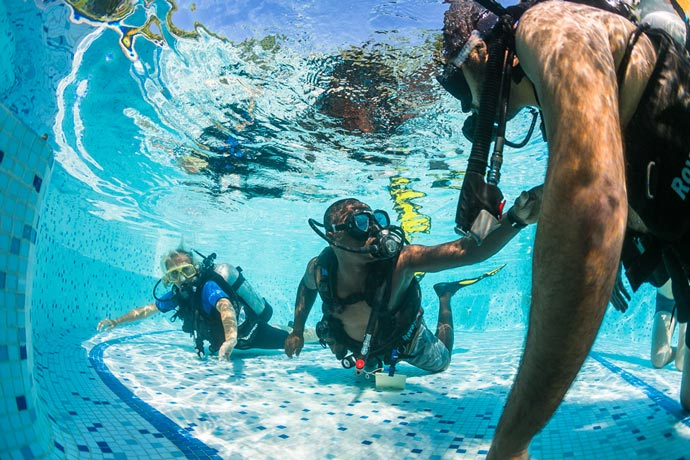 Scuba diving lessons at Manta Resort in Zanzibar
