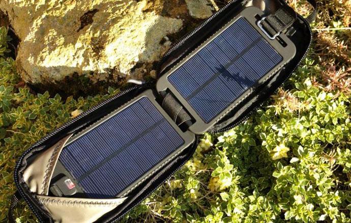 SOLARMONKEY ADVENTURER BY POWERTRAVELLER