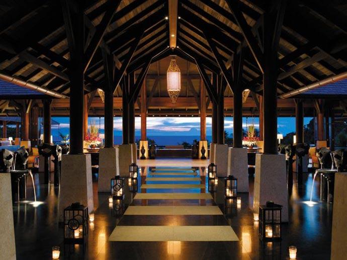 Restaurant at Shangri-La's Boracay Resort and Spa
