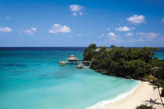 Shangri-La's Boracay Resort and Spa near the sea