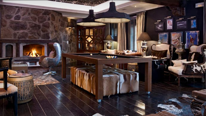 Game room at El Lodge Resort and Spa