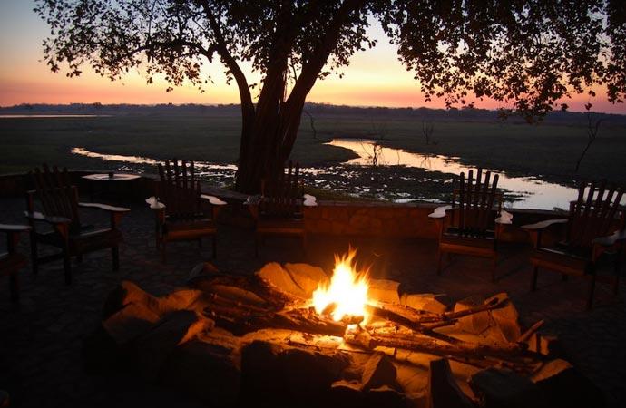 Outdoor dining at Kafunta River Lodge
