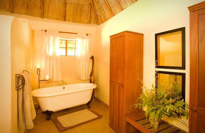 Bathroom at Kafunta River Lodge