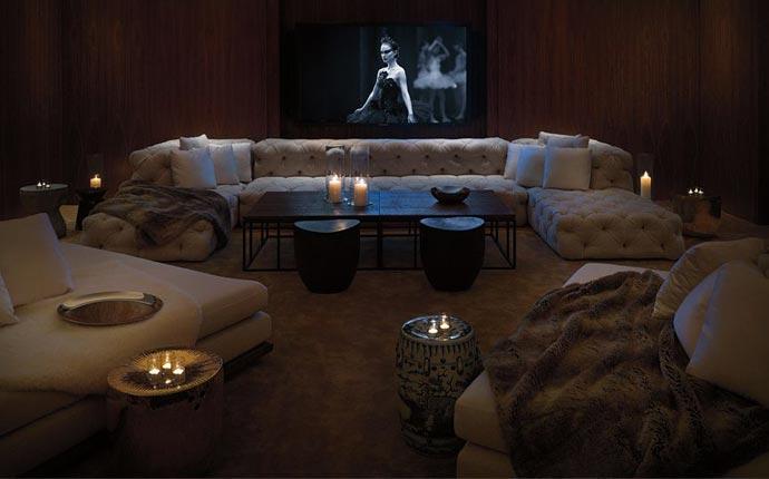 Public Chicago lounge