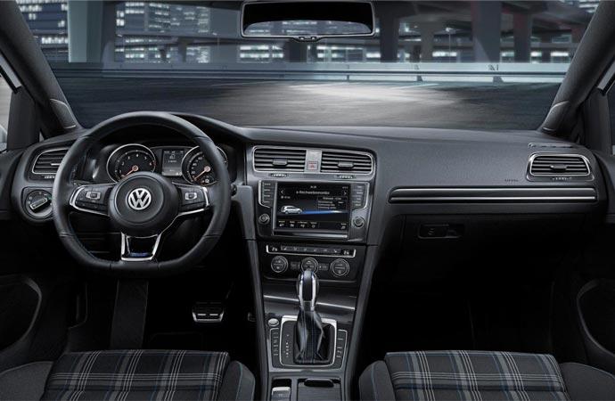 Hybrid Golf interior