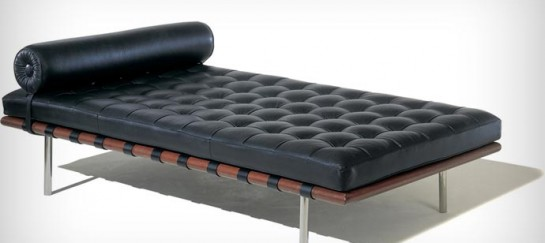 BARCELONA COUCH | BY KNOLL