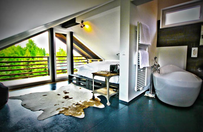 Room at HOTEL 12