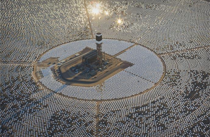 Ivanpah Solar Power Plant 001