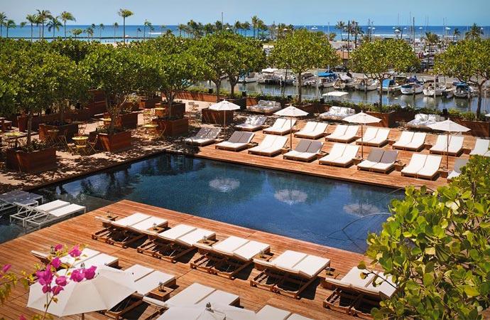 Swimming pool at The Modern Honolulu