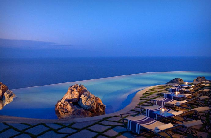 Swimming pool at Monastero Santa Rosa