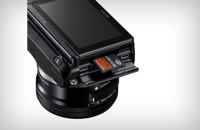 SONY NEX-3NL/B memory slot