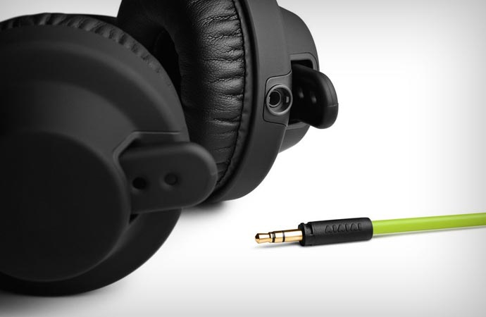 DJ Beatport headphones by AIAIAI