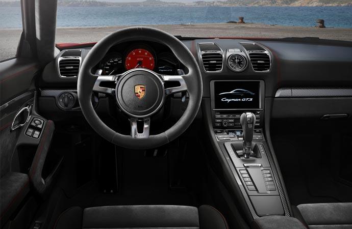 Interior of the Porsche Cayman GTS