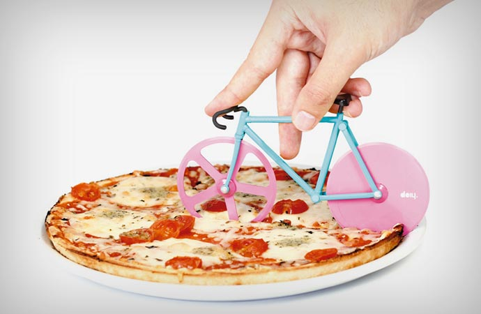 Pizza cutter shaped like a bicycle