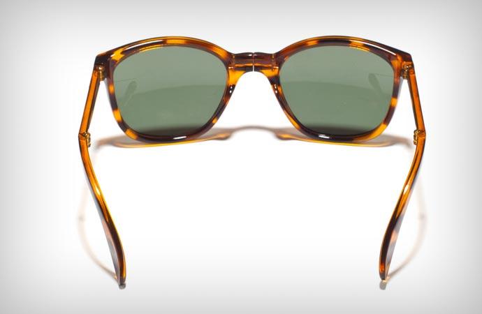 foldable sunglasses by Sunpocket