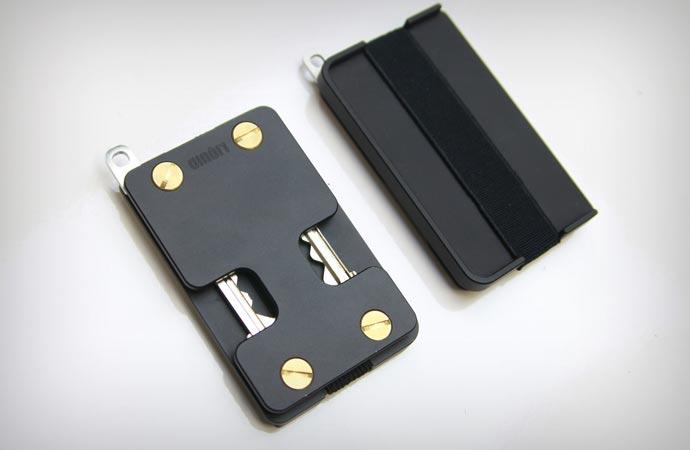 Liquid wallet and key holder