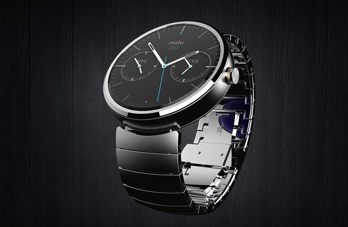 Moto 360 smartwatch by Motorola