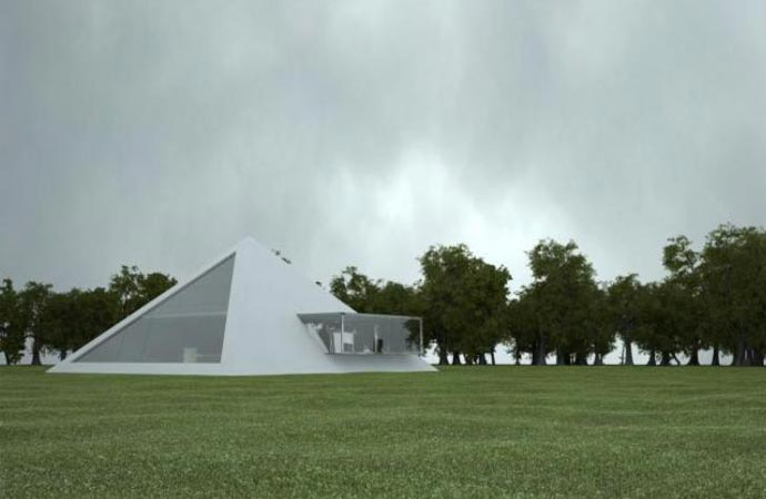 Pyramid house by Juan Carlos Ramos