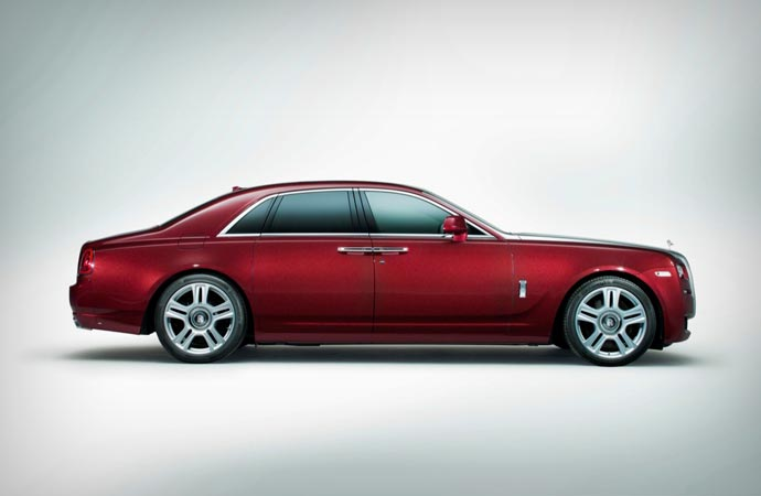 Side view of the Rolls Royce Ghost Series