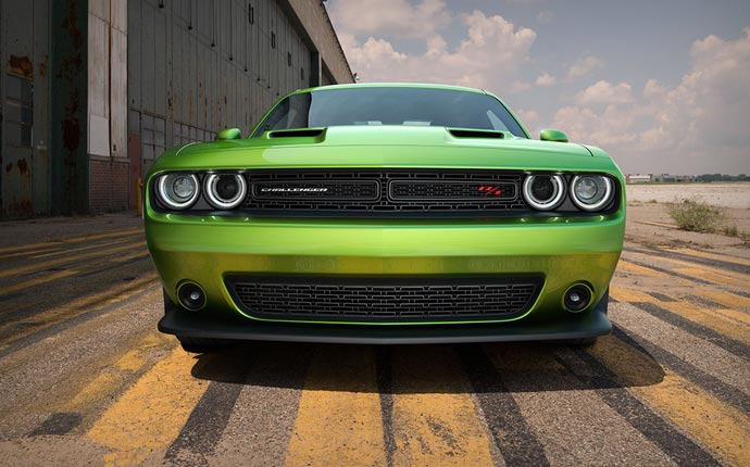 2015 Dodge Challenger front grill and lights