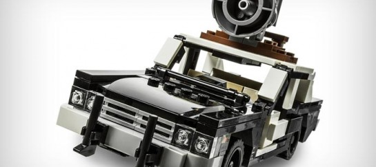 BLUES BROTHERS BLUESMOBILE LEGO KIT