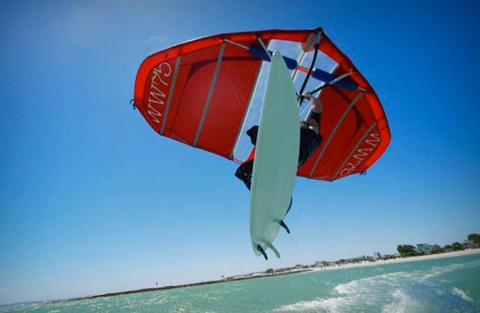 Kitewing with a surfboard