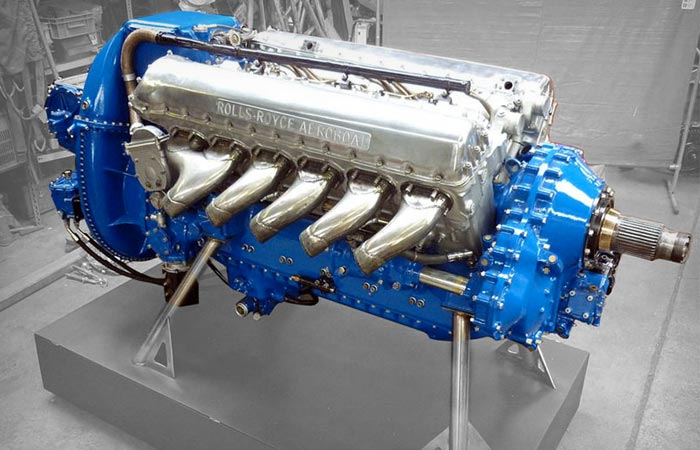 Rolls Royce engine of Aeroboat superyacht