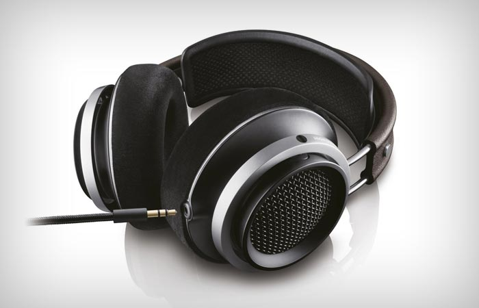 Philips Fidelio X1 headphones