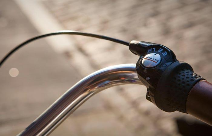 Priority bike gear shifter