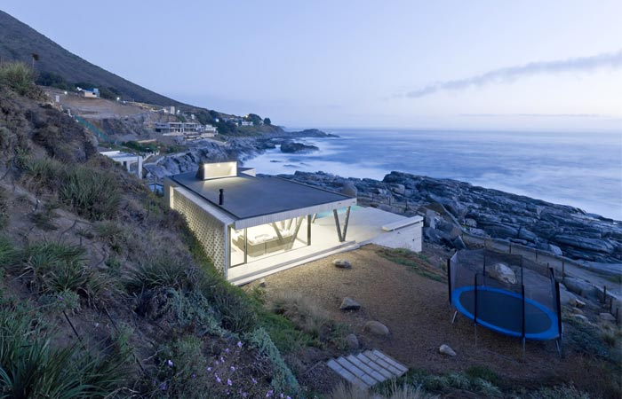Rambla House in Chile by LAND Arquitectos