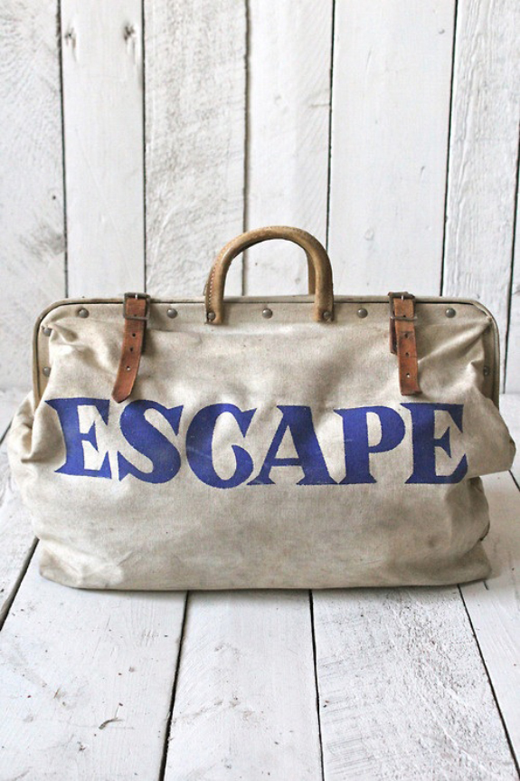 Vintage traveling escape bag