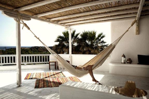 Terrace hammock in white interior