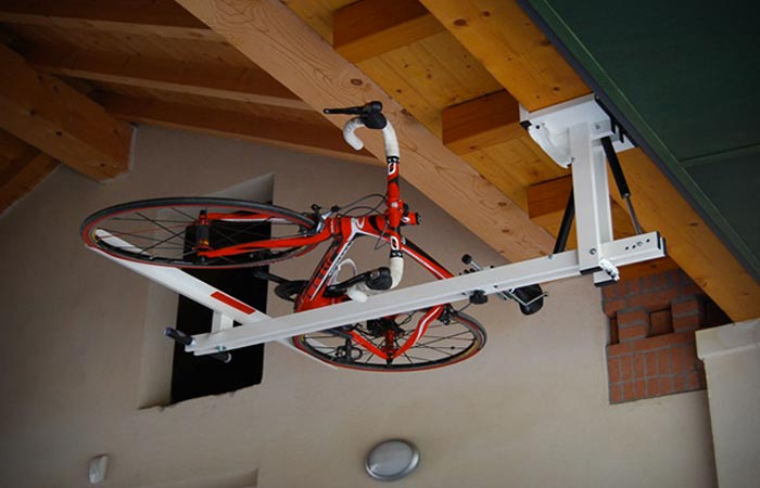 Flat-Bike-Lift Storage System