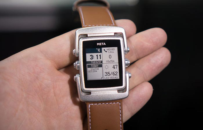 Meta M1 smartwatch by MetaWatch