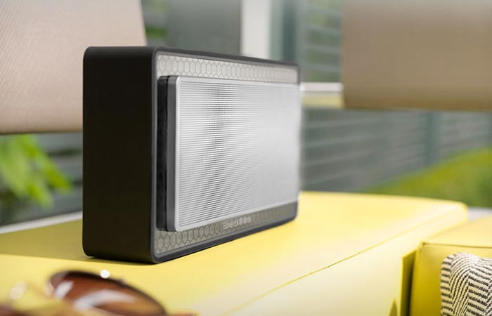 Bowers & Wilkins T7 portable speaker