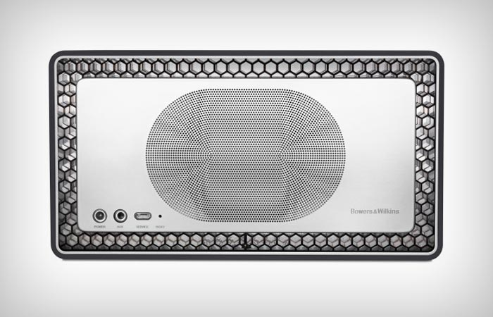 Inputs of the Bowers & Wilkins T7 portable speaker