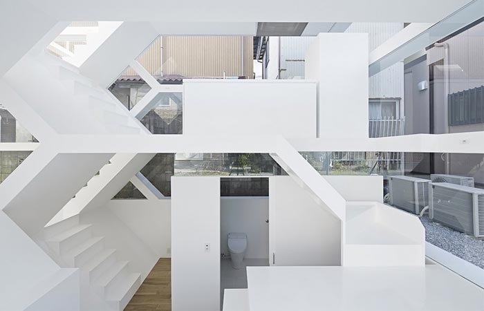 Interior design of the S-House by Yuusuke Karasawa