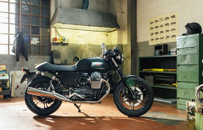 Moto Guzzi V7 custom kit street bike