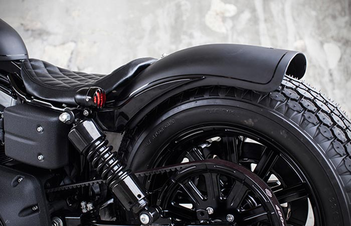 Seat and back tire of the Dyna Guerilla Fat Bob by Rough Crafts