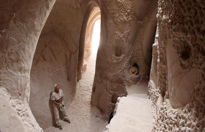 Ra Paulette in his cave