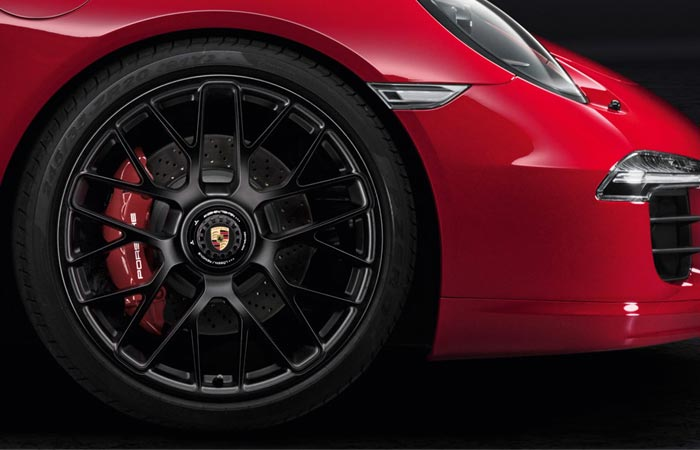 Brakes on the Porsche 911 Targa 4 GTS