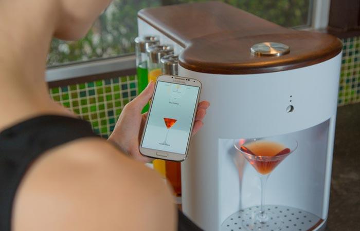 Somabar bartender