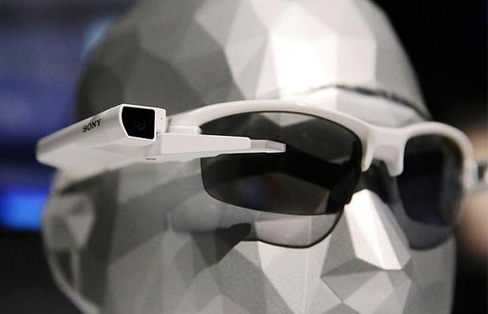Sony Smarteyeglass Attach at CES 2015