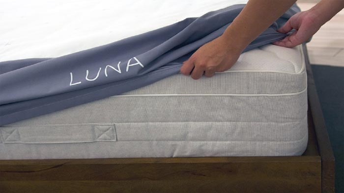 Luna smart mattress cover on Indiegogo